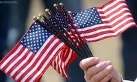 美国国庆242周年纪念仪式举行