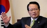 Top RoK legislator meets Ho Chi Minh City students