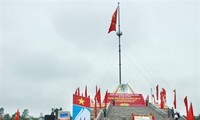 Quang Tri flag raising ceremony to mark national reunification day