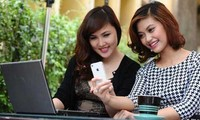 E-commerce on mobile phones blooms in Vietnam