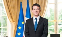 French Prime Minister stressed respecting international law in the East Sea issue