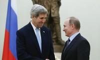 Putin, Kerry meet in Moscow to discuss Syria