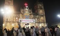 Leaders congratulate Catholics on Christmas