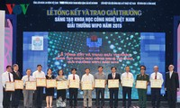 Outstanding scientists and scientific research awarded