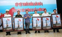Photo exhibition on Vietnam's sea and islands in Dong Van stone plateau