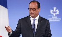 France's Hollande says Brexit talks must be concluded by 2019