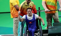 Weightlifter Le Van Cong sets Paralympic record