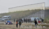 Britain refuses to receive more child migrants from Calais refugee camp