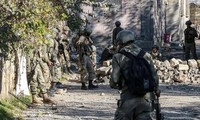 Turkey sends more troops to Syria border