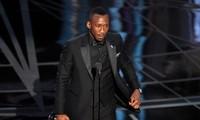 """Oscars 2017: """"Moonlight"""" beats """"La La Land"""" to win best picture award"""