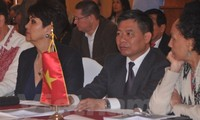 Vietnam supports the world's leftist movement for peace and prosperity