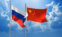 Chinese, Russian officials laud bilateral military ties