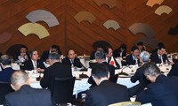 PM pledges favorable conditions for Japanese investors