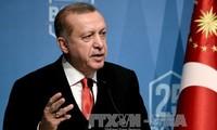 Turkey seeks to ease Qatar tension