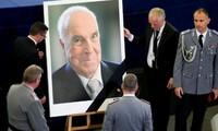 World leaders bid farewell to former German chancellor Helmut Kohl