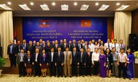 Vietnam, Laos boosts cooperation in labor, social affairs