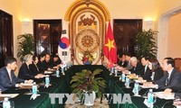 FM: RoK's New Look South policy considers Vietnam key partner