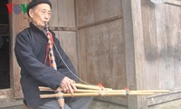 Mong artist helps revive traditional pan-pipes