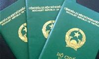 Trả lời thính giả về thời hạn đăng ký giữ quốc tịch VN cho người Việt Nam ở nước ngoài