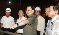 Phó Thủ tướng Hoàng Trung Hải kiểm tra việc thi công công trình nhà Quốc hội