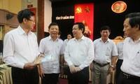 Trưởng ban Kinh tế Trung ương Vương Đình Huệ làm việc với Thường trực tỉnh ủy 4 tỉnh miền Trung