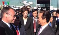 Thủ tướng Nguyễn Tấn Dũng đến Stuttgart bắt đầu thăm chính thức CHLB Đức