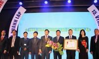 Hội Người Việt Nam tại Cộng hòa Czech đón nhận Huân chương Lao động hạng Ba