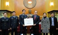 Gần 1,3 tỷ đồng ủng hộ Bộ Tư lệnh Cảnh sát biển và Cục Kiểm ngư Việt Nam