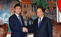 Phó Thủ tướng Nguyễn Xuân Phúc tiếp nguyên Chủ tịch Ủy ban Đối ngoại Hạ viện Nhật Bản