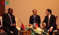 Chủ tịch nước Trương Tấn Sang gặp gỡ song phương bên lề Hội nghị cấp cao Á – Phi 2015