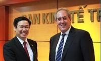 Trưởng Ban Kinh tế Trung ương làm việc với Đại diện Thương mại Hoa Kỳ