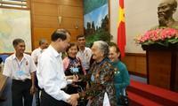 Phó Thủ tướng Vũ Văn Ninh tiếp đoàn đại biểu người có công tỉnh Vĩnh Long