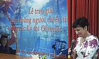 Trao giải Cuộc thi Olympic tiếng Nga và toán học cho học sinh, sinh viên Việt Nam năm 2015
