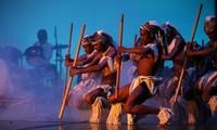 Biểu diễn nghệ thuật kỉ niệm 40 năm thiết lập quan hệ ngoại giao Việt Nam - Mozambique