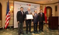 Tổng Bí thư Nguyễn Phú Trọng gặp gỡ nhóm trí thức Đại học Havard