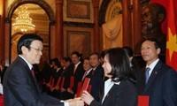 Chủ tịch nước trao quyết định bổ nhiệm thẩm phán Tòa án Nhân dân Tối cao