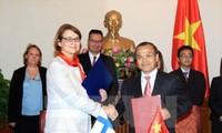 Thứ trưởng Ngoại giao Vũ Hồng Nam tiếp Thứ trưởng Ngoại giao Cộng hòa Phần Lan