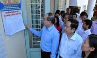 Phó Chủ tịch Hội đồng Bầu cử Quốc gia Nguyễn Thiện Nhân kiểm tra công tác bầu cử tại Đồng Nai