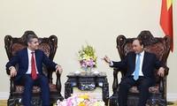 Thủ tướng Nguyễn Xuân Phúc tiếp lãnh đạo Ngân hàng đầu tư Goldman Sachs
