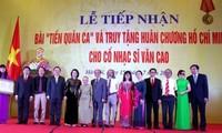 """Lễ tiếp nhận bài """"Tiến quân ca"""" và trao tặng Huân chương Hồ Chí Minh cho cố nhạc sĩ Văn Cao"""