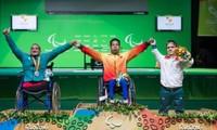 Vận động viên cử tạ Lê Văn Công phá kỉ lục thế giới tại Paralympics 2016