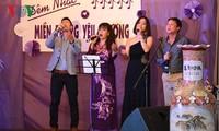 Cộng đồng người Việt Nam ở nước ngoài quyên góp ủng hộ đồng bào miền Trung