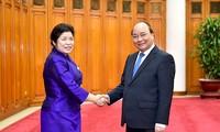 Thủ tướng Nguyễn Xuân Phúc tiếp Bộ trưởng Văn phòng Thủ tướng Lào