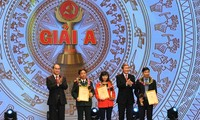 Trao giải báo chí toàn quốc về xây dựng Đảng - Búa liềm vàng