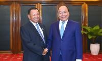 Thủ tướng Nguyễn Xuân Phúc hội kiến Chủ tịch Thượng viện và Chủ tịch Quốc hội Campuchia