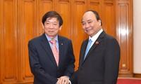Thủ tướng Nguyễn Xuân Phúc tiếp Đoàn cấp cao Đảng Hành động Nhân dân Singapore cầm quyền
