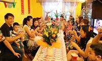 Gia đình với văn hóa Việt ở nước ngoài