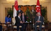 Phó Thủ tướng thường trực Trương Hoà Bình thăm chính thức Singapore