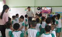 Cần ban hành chương trình khung tổ chức cho trẻ mầm non làm quen tiếng Anh