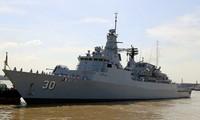 Tàu Hải quân Hoàng gia Malaysia thăm Thành phố Hồ Chí Minh